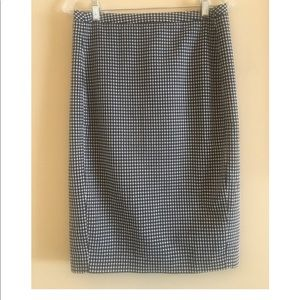 Merona size 6 black and white pencil skirt